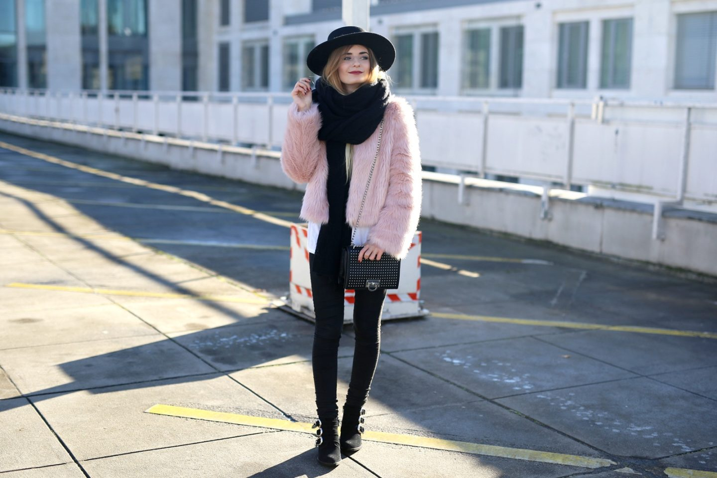Outfit: Fake Fur Jacket