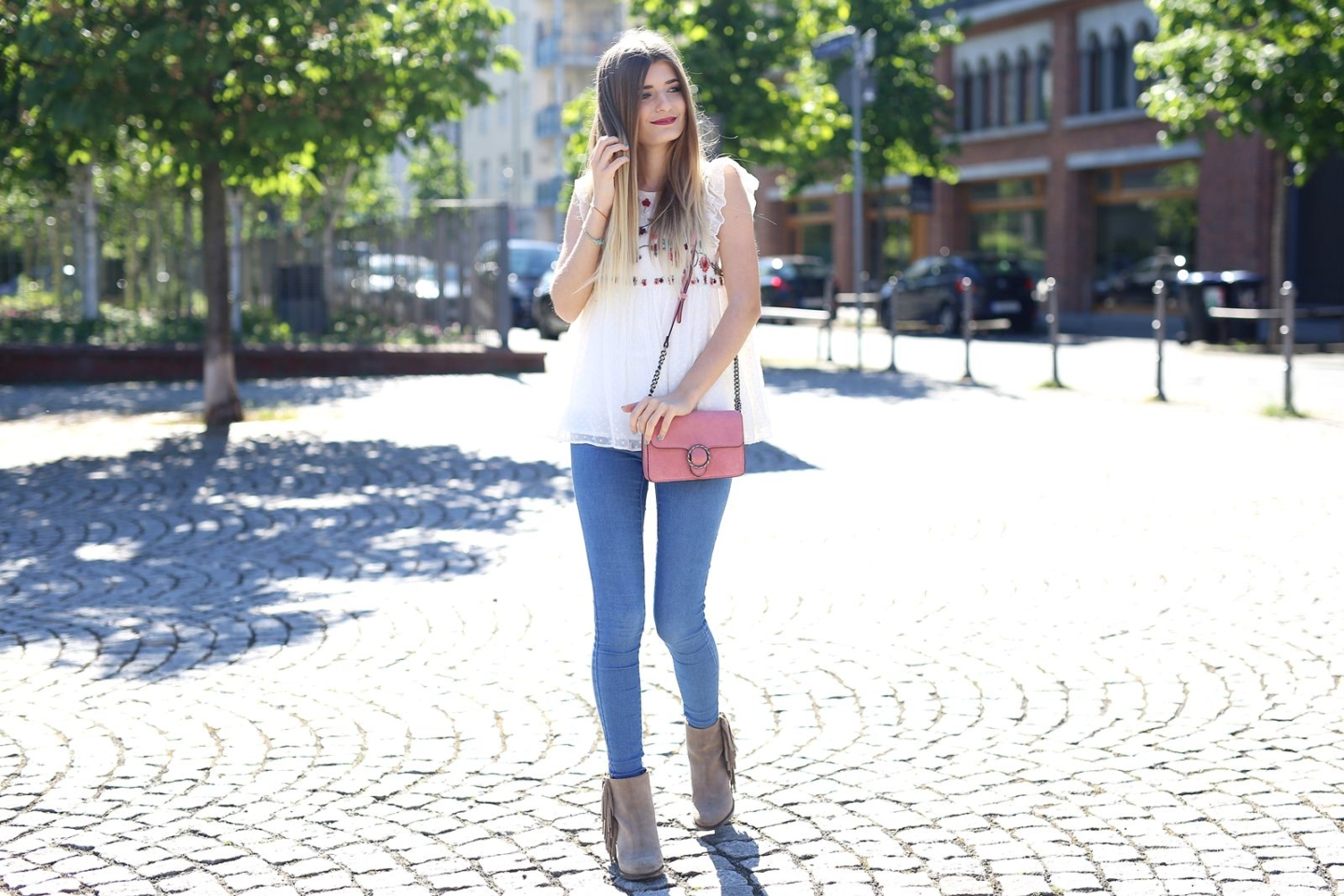 Outfit: Blumentop & Skinny Jeans